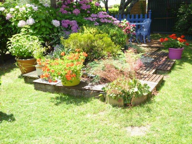 mon jardin ma maison at saison 2 le petit monde de reine coco. Black Bedroom Furniture Sets. Home Design Ideas